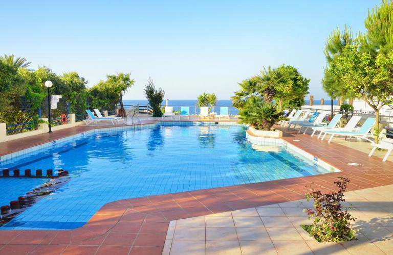 hotel Golden Beach - bazen